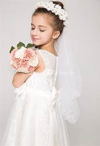 Couronne De Fleurs Mariée : voile avec une couronne de fleurs pour jeune fille ~ Farleysfitness.com Idées de Décoration