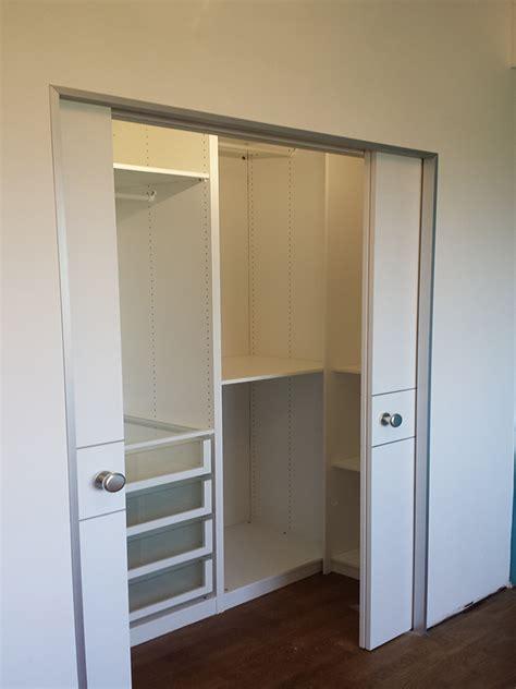 porte scorrevoli per cabina armadio falegnameria