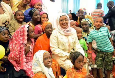 aisha buhari    cooks   president hosts