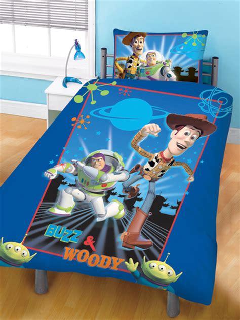 housse de couette toys story parure housse de couette r 233 versible 135 x 200 cm taie d oreiller 48 x 74 cm story plushtoy