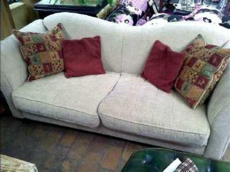 canapé anglais tissu fleuri canape fleuri anglais canap s ultra confortables d