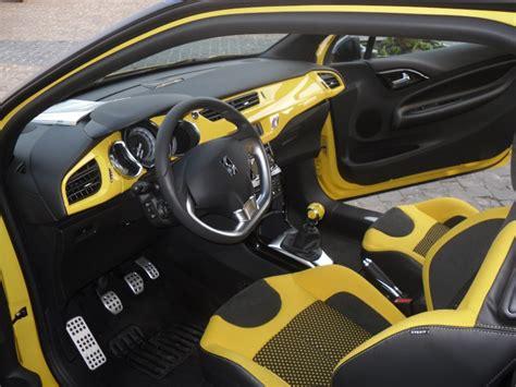 siege en cuir ds3 1 6 thp 150 sportchic jaune pégase toit noir onyx