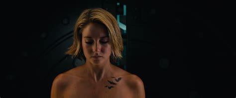 Naked Shailene Woodley In Allegiant