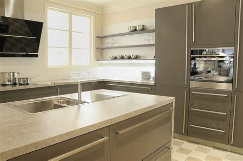 cuisine classique grise avec ilot central aubagne bouches du rh 244 ne meuble et d 233 coration