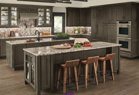 lowes kitchen cabinet design center kraftmaid custom kitchen cabinets lowe s canada 9076