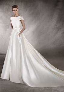 pronovias 2017 a boat neck wedding dress in a line With boatneck wedding dress