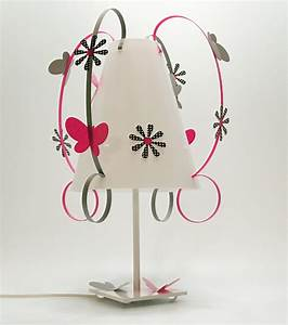Lampe Chambre Garçon : lampe enfant papillon fabrique casse noisette ~ Teatrodelosmanantiales.com Idées de Décoration