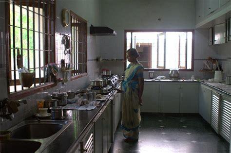 parents indian kitchen  peek anonymous alleyindian restaurant   kitchen