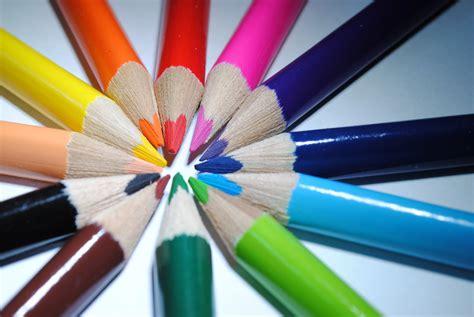 Wie Wirken Farben by Wie Wirken Farben M 246 Bel Welt Magazin