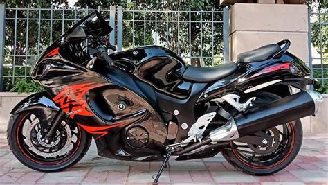 Modified Bikes Showroom In Delhi by Bajaj Dominar Modified Into Suzuki Hayabusa By Gm Custom
