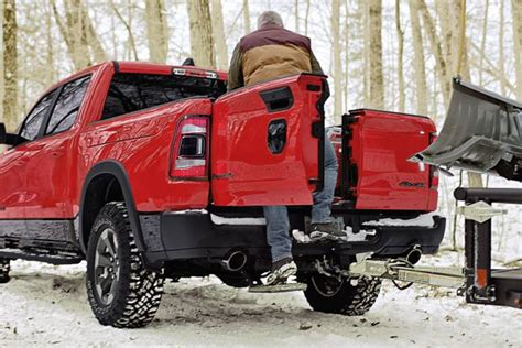 Dodge Truck Tailgate 2020 by The Tailgate War Heats Up 2019 Ram Multifunction Tailgate