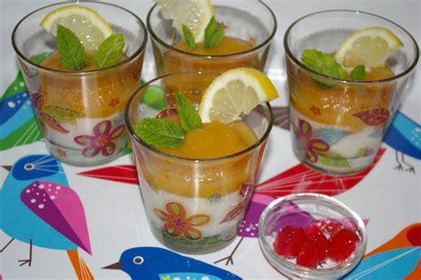 dessert au fromage blanc aux fruits au sirop et 224 la