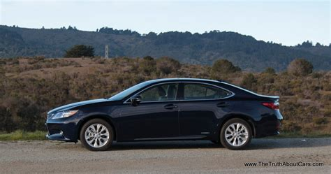Review: 2013 Lexus Es 300h Hybrid (video)