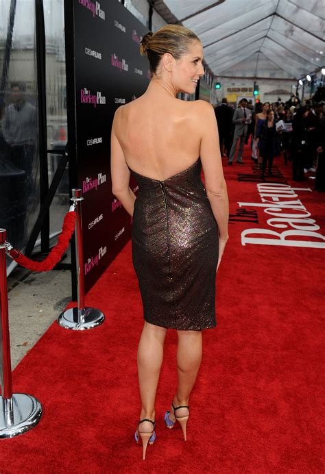 Heidi Klum Has Great Legs In A Sexy Dress And Towering