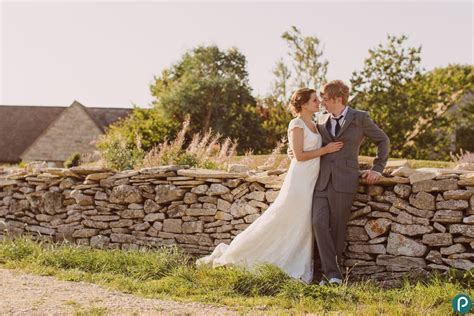 Romantic wedding portraits at Kingston Country Courtyard