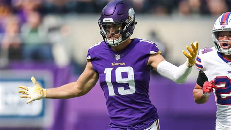 Watch: Adam Thielen continues big night, with great TD ...