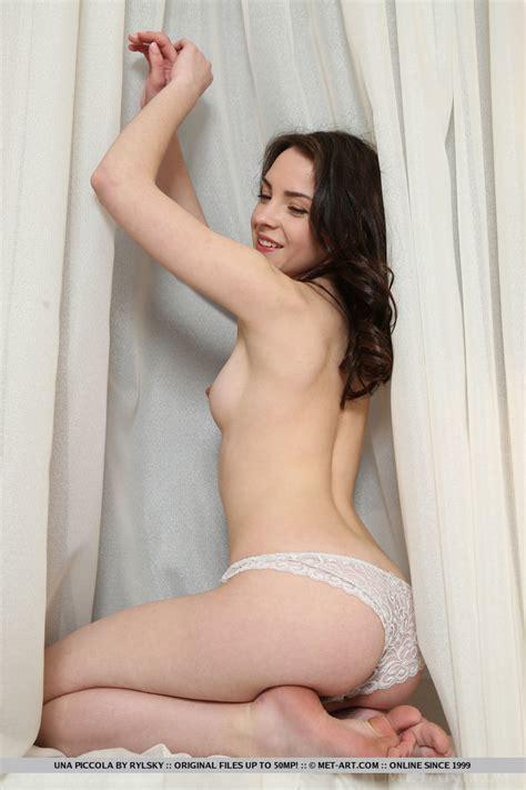 Nude Teens Photos Una Piccola Sigoil