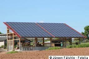 Lohnt Sich Photovoltaik Für Einfamilienhaus : photovoltaik einsatzbereiche einfamilienhaus gewerbe ~ Frokenaadalensverden.com Haus und Dekorationen