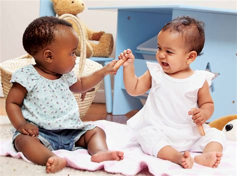 Why Your Baby Should Play Around Other Babies