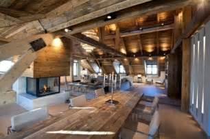 villa wohnzimmer modern chalet con camino e splendido living nelle alpi