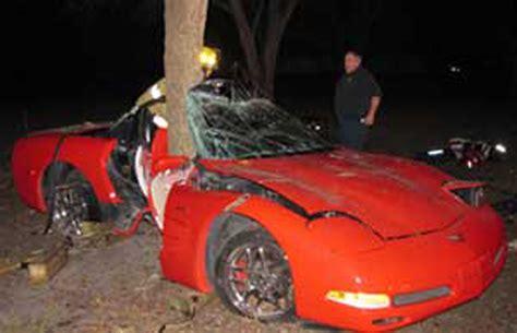 teen driver loses control     occupants survive