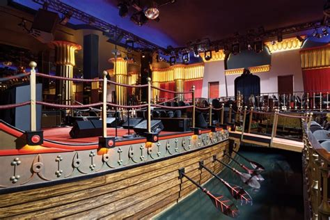 Rock The Boat Floor Dance by Cleopatra S Barge Lounge Bar At Caesars Palace Is Still