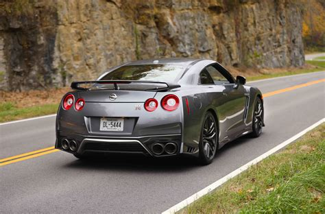 nissan gt  pictures price performance  specs