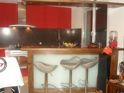 comptoir bar cuisine réalisation sur mesure de bar et comptoirs en bois pour
