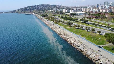 """Marmara denizi'nde etkili olan deniz salyası (müsilaj) nedeniyle tekirdağlı balıkçılar günlerdir denize açılıp, avlanamıyor. Kartal Sahili'nde """"deniz salyası"""" endişesi   NTV"""