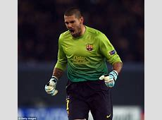 Victor Valdes trains with Manchester United squad as