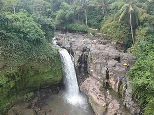Tegenungan Wate... Waterfall