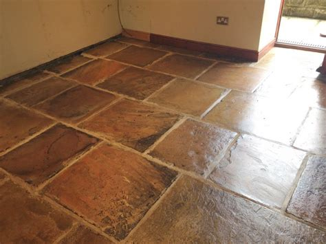 sandstone kitchen floor tiles cleaning and polishing tips for sandstone floors 5069