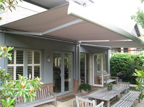 Semi-cassette Retractable Awnings