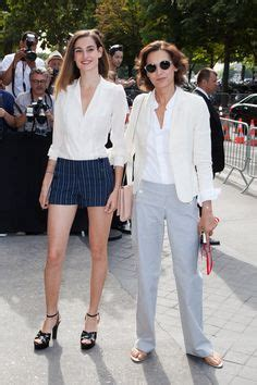 violette d urso et in 232 s de la fressange chez chanel en juillet 2013 search medium