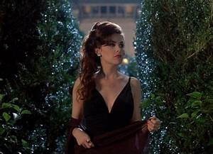 Sherilyn Fenn in Boxing Helena...the fountain scene in the ...