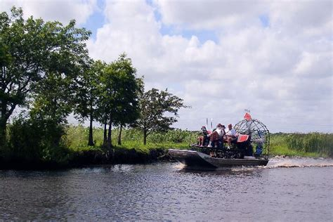 Airboat John Orlando by Old Fashion Airboat Rides In Orlando Florida