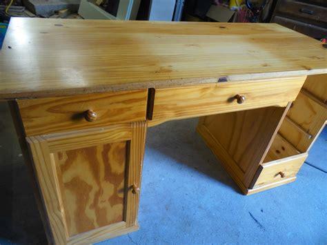 comment repeindre un bureau en bois la déco de gégé