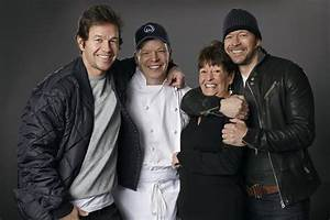 Mark Wahlberg Family Tree, Wife, Kids, Father, Age, Height ...