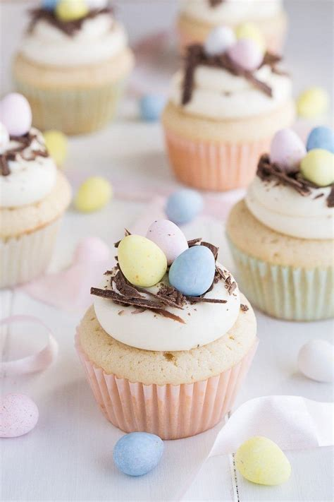 Use left over egg whites to make pavlova or macaroons, list is endless. Desserts Using Lots Of Eggs - Top 20 Desserts that Use A ...