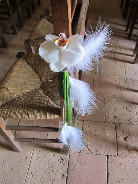 decoration banc eglise pour mariage decor de banc d eglise avec orchid 233 e phalaenopsis photo de cr 233 ations florales pour votre