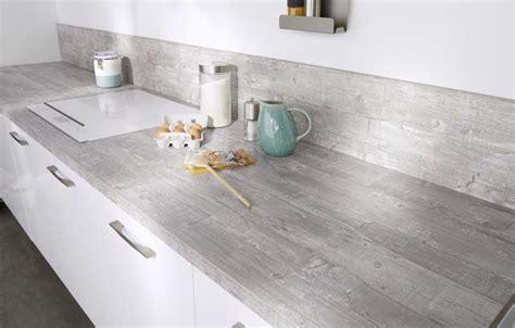planche de travail cuisine plan de travail cuisine les modèles à adopter côté maison