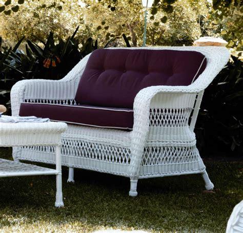 canape en resine tressee canapé de jardin 2 places en résine tressée blanc brin d