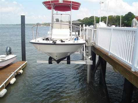 Boat Lift Piling Spacing by Elevator Boat Lifts By Davit Master