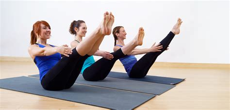 Boat Pose Benefits by How To Do The Boat Pose And What Are Its Benefits