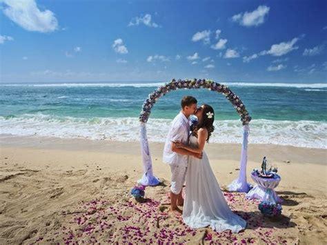 reasons    travel agent   destination wedding