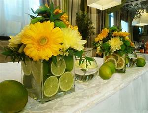 15 Colorful Floral Arrangements with Lemons Creating