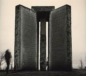 멸망 후 지침서인가, 미스테리 건축물 조지아 가이드스톤