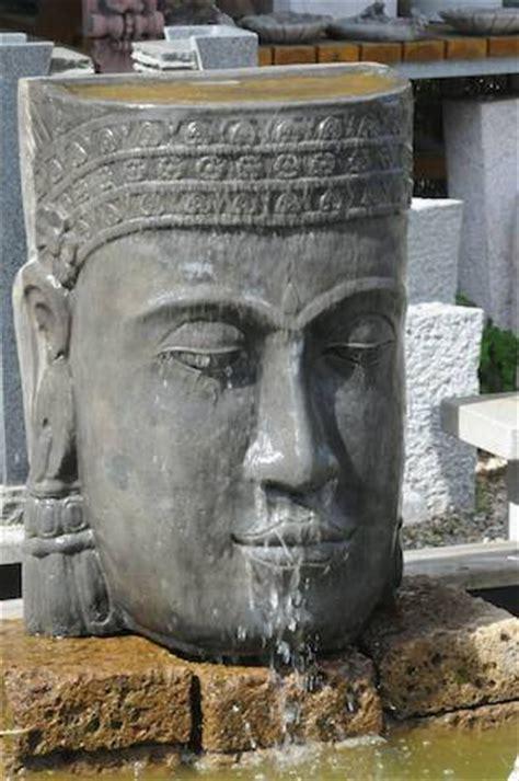 Buddhakopf Khmer  Wasserspiel Klassische
