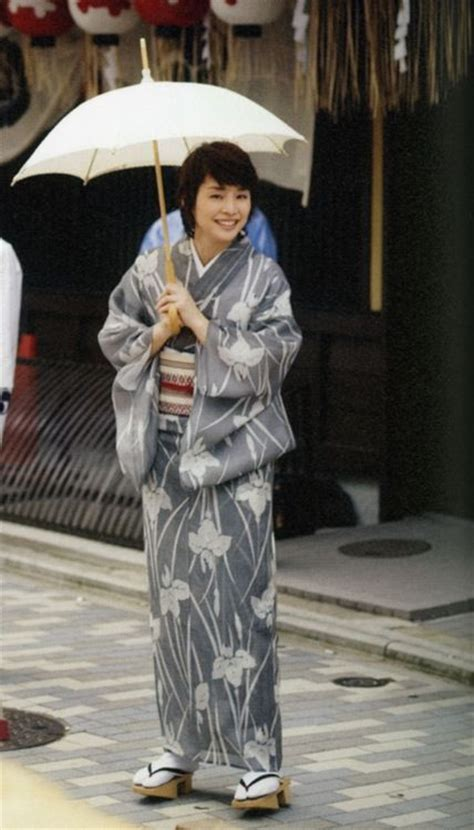 Best Images About Recent Photos Of Japanese Wearing Kimonos On Pinterest Festivals Summer