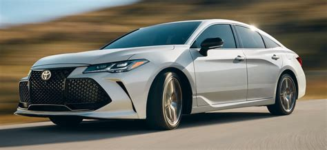 Difference Between 2019 Lexus Es Vs Toyota Avalon